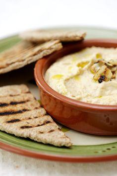 Hummus & Mini Wholewheat Pitta = 100kcals - Healthy Snacks – 100 Healthy Low Calorie Snacks under 100 Cals (houseandgarden.co.uk)