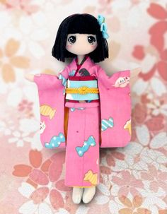 a beautiful doll.......i love her eyes!