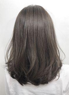 Haircuts Straight Hair, Haircuts For Medium Hair, Medium Hair Cuts, Hairstyles Haircuts, Medium Hair Styles, Curly Hair Styles, Round Haircut, Brown Hair With Blonde Highlights, Aesthetic Hair