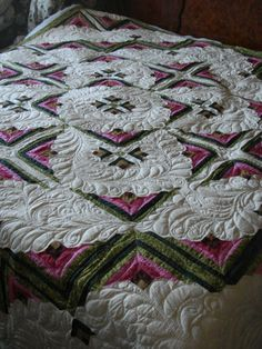 Lovely Log Cabin Variation....quilted by Charismah of Quilting Board