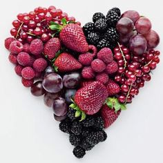 A berry beautiful heart - Happy Valentine's Day! 6 berries you should be eating for heart health Heart Healthy Recipes, Healthy Snacks, Healthy Heart, Healthy Fruits, Healthy Life, Healthy Weight, Snacks List, Healthy Cooking, Dessert Healthy