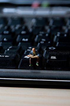 "Miniature Photography: ""Mini the Reader"""
