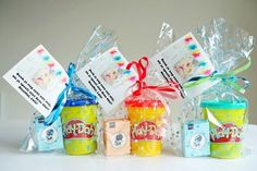 Magical DIY # 12 Simple and trendy treats to say goodbye to a daycare . Magical DIY # 12 Simple and trendy treats to say goodbye to a daycare center Kid Party Favors, Birthday Favors, Party Gifts, Classroom Birthday Treats, Birthday Treats For School, Diy Gifts For Kids, School Treats, Birthday Gifts For Girls, Little Gifts