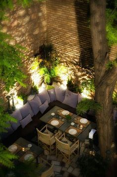 DIY – Outdoor Lighting - Industrial decor style is perfect for any space. An industrial garden is always a good idea. Outdoor Rooms, Outdoor Dining, Outdoor Gardens, Outdoor Decor, Outdoor Ideas, Outdoor Projects, Outdoor Pergola, Outdoor Restaurant Patio, Terrace Restaurant