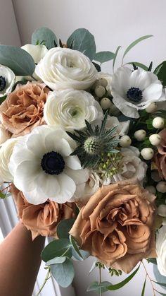Anemone Wedding Bouquet, Thistle Bouquet, Spring Flower Bouquet, Ranunculus Bouquet, Rose Bridal Bouquet, White Ranunculus, Anemone Flower, Spring Wedding Flowers, White Wedding Bouquets