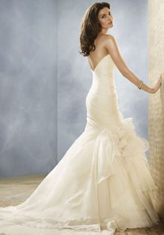 without the big flower and in lace this would be perfect.