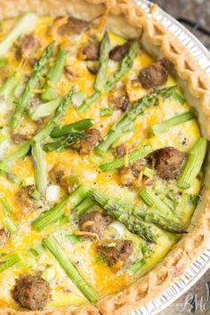 Low Unwanted Fat Cooking For Weightloss Turkey Sausage Asparagus Quiche Recipe - A Buttery Crust Is Filled With Cheddar, Sausage, And Asparagus Quiche Recipes, Brunch Recipes, Breakfast Recipes, Dinner Recipes, Breakfast Ideas, Brunch Ideas, Breakfast Dishes, Breakfast Time, Summer Recipes