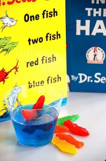 Little Miss Glamour Goes to Kindergarten: One Fish, Two Fish, Word Family fish.