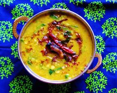 Palak Dal Fry (Lentils with Spinach) Indian Dal Recipe, Indian Food Recipes, Ethnic Recipes, Cooking With Ghee, Easy Cooking, Spinach Recipes, Soup Recipes, Spinach Dal, Cooking