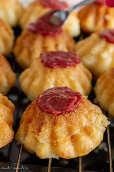 Savarine pufoase cu frișcă naturală | Bucate Aromate Gem, Deserts, Dairy, Vase, Cheese, Cookies, Food, Crack Crackers, Biscuits