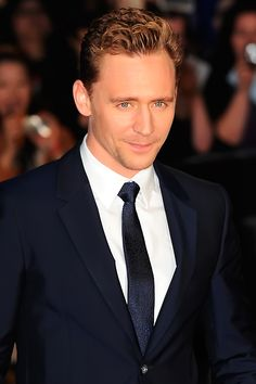 Tom Hiddleston at BFI London Film Festival 'High Rise' Premiere (9th October). Higher resolution image: http://tomhiddleston.us/gallery/albums/userpics/10001/8387.jpg Source: http://tomhiddleston.us/gallery/displayimage.php?album=lasthits&cat=74&pid=21912#top_display_media