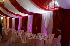 Vign_Decoration_habillage_mural_de_salle_de_mariage_par_festidomihttp://www.decorsfetes.com/decoration-plafond-salles--tentures-salles-mariage--voilages----drapes--rideaux-lumineux-mariage--de.ws
