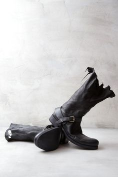 Visions of the Future: M.A.+ Black, leather men boots by Maurizio Amadei http://www.verticelondon.com/boots/08max_black_strap_tall_boots_1.html