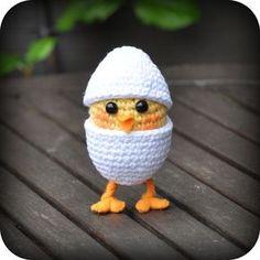 Check out Easter Crochet Patterns. From Crochet Chick Pattern to Crochet Easter basket pattern, see quick & easy Easter Crochet Pattern idea & DIY Tips here Easter Crochet Patterns, Crochet Birds, Crochet Amigurumi Free Patterns, Love Crochet, Crochet Animals, Crochet Crafts, Crochet Dolls, Yarn Crafts, Diy Crochet