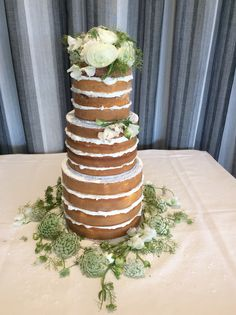 The popular nude style cake feature at many Farm Vigano weddings