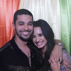 Their smiles say it all: Demi Lovato and Wilmer Valderrama are proving that exes can be cool for the summer. ☀️ (: @ddlovato)