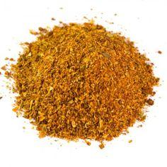 Hot & Spicy | 50g einer feurigen Gewürzmischung für alle, die es scharf lieben. Zutaten: Paprika edelsüß (27%), Knoblauch, Oregano, Zwiebeln, Cumin, Rosenpaprika (10%), Chili (8,1%). Diese Gewürzmischung passt zu allen Gerichten, die eine feurige Note erhalten sollen. Vegan, gluten- und laktosefrei.