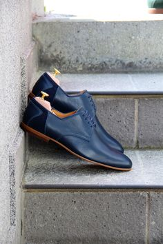 Simplicity is the true beauty. #derbyshoes #blueleather #genuineleather