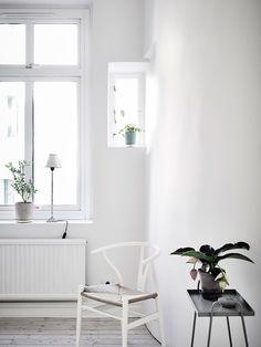 white ● minimalism ● inspiration ● pinned by @birambi_