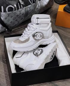 Chanel Sneakers, Chanel Sandals, Chanel Purse, Chanel Bags, Coco Chanel, Best Designer Bags, Louis Vuitton Belt, Latest Bags, Dior Handbags