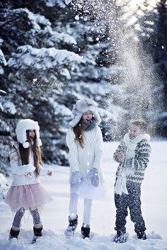 #Winter #Christmas #photography children playing in the snow ToniK Joyeux Noël