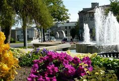 queen's square, cambridge, ontario