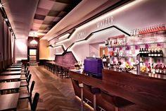 24 Stunden geöffnete Café-Bar im Hotel Donauwalzer