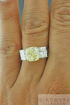 Anello in oro bianco don diamante giallo Bling Bling, Jewelry Box, Fine Jewelry, Jewlery, Cushion Diamond Ring, Schmuck Design, Yellow Diamonds, Pink Sapphire, Yellow Diamond Rings