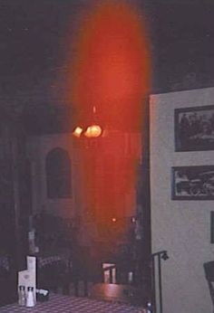 restaurant entity Scary Ghost Pictures, Creepy Pictures, Ghost Photos, Paranormal Pictures, Ghost Photography, Ghost Hauntings, Spirit World, Picture Story, Haunted Places