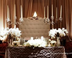 Get expert wedding planning advice and find the best ideas for wedding decorations, wedding flowers, wedding cakes, wedding songs, and more. Glamorous Wedding, Chic Wedding, Wedding Table, Dream Wedding, Tent Wedding, Wedding White, Wedding Receptions, Reception Ideas, Luxury Wedding