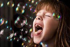 #niña#burbujas#divertido