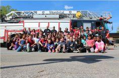 Les pompiers de Lachine ont aidé les jeunes l'école Martin-Bélanger à ramasser des cubes-énergie pour le Grand défi Pierre-Lavoie.  Ils en ont fait une jolie murale