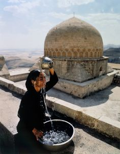 From The Broad Collection: Shirin Neshat, Soliloquy Series, Cibachrome print, The Broad Art Foundation. Vivre A New York, Shirin Neshat, Cabana Magazine, Never Summer, Oeuvre D'art, Photo Book, Morocco, Travel, Women