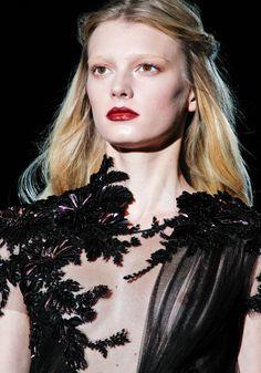 Défilé Gucci automne-hiver 2012-2013. lips