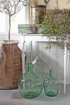 Green Country Cottage ( by Vibeke Design ) Antique Bottles, Vintage Bottles, Deco Champetre, Vibeke Design, Home Decoracion, Decoration Inspiration, Farmhouse Chic, Country Decor, Country Living