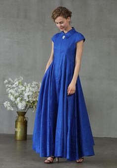 romantic navy evening dress for women a simple but stylish dress. two side pockets very flattering and wide bottom. suitable for any occassions. Care: hand wash or machine wash gentle, best to lay flat to dry. Navy Evening Dresses, Blue Dresses, Flattering Dresses, Stylish Dresses, Elegant Dresses, Mod Dress, Shirt Dress, Bridal Dresses, Prom Dresses