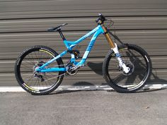 Commencal Supreme DH - Fox fork http://www.pinkbike.com/photo/9393647/