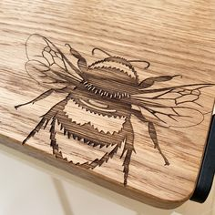 Bee Design, Serving Board, Black Metal, Birthday Gifts, Unique Gifts, Kitchen Accessories, Birthdays, Boards, Handmade
