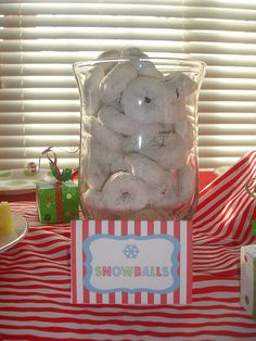 North Pole Breakfast - powdered donuts = SNOWBALLS                                                                                                                                                                                 More