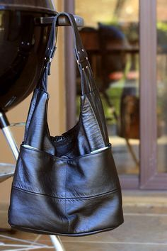 My Leather Slouch Bag by - Leather bag made on a home sewing machine from an upcycled leather jacket Leather Purse Diy, Diy Purse, Sewing Leather, Leather Purses, Leather Handbags, Leather Bags, Leather Jacket, Leather Totes, Leather Backpacks