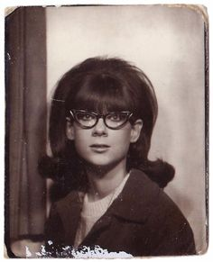 vintage everyday: 42 Vintage Photo Booth Snaps Prove That 60's Girls Were So Lovely