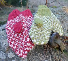 Ravelry: Tipivante - Brocade Mittens pattern by Stickaboo (Eva) Knit Crochet, Crochet Hats, Mittens Pattern, Knitting Accessories, Diy Projects To Try, Knitting Projects, Ravelry, Crochet Patterns, English