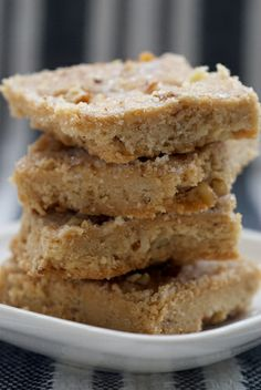 Butter Pecan Shortbread  /2 cup butter, softened  ■1/3 cup firmly packed light or dark brown sugar  ■1/2 teaspoon vanilla extract  ■1 & 1/4 cups all-purpose flour  ■1/4 cup + 1 tablespoon chopped pecans, divided  ■2-3 teaspoons coarse sugar (may substitute granulated sugar)