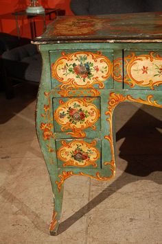 Antique and Vintage Desks - For Sale at - Antique and Vintage Desks – For Sale at Italian detail…gorgeous! Cute Furniture, Recycled Furniture, Furniture Makeover, Vintage Furniture, Vintage Desks, Furniture Design, Primitive Painting, Tole Painting, Heart Painting