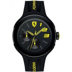 Reloj Ferrari de caja y bisel en acero inoxidable oscuro con extensible de correa en silicón y nombre de la marca color amarillo; carátula negra con mini esferas y manecillas e indicadores a contraste.