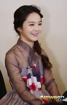 Song So-Hee in Hanbok | 시스루 한복 입은 국악소녀 송소희