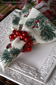 napkin rings In this season of red and green, I set a table thats merry and bright for Christmas with the white dinnerware of Country Cupboard by Pfaltzgraff! Red and green checks, berry Christmas Kitchen, Christmas Home, Christmas Holidays, Christmas Wreaths, Christmas Crafts, Christmas Photos, Christmas China, Advent Wreaths, Nordic Christmas