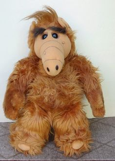 "Talking Alf Toy...""How about a hug for the old Alfer?"" ""Here kitty kitty!!"" ""Give me four!"""