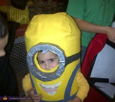 HALLOWEEN COSTUME MINIONS, LOVE IT!!Despicable Me Minion - Halloween Costume Contest via @costumeworks