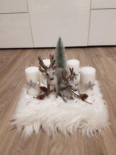 Christmas Advent Wreath, Christmas Table Decorations, Christmas Mood, Diy Christmas Tree, Christmas Candles, Snoopy Christmas, Christmas Inspiration, Diy Christmas Decorations, Xmas Decorations